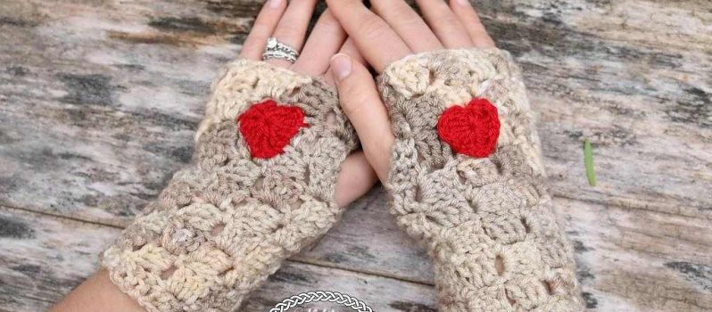 These Crochet Heart Fingerless Gloves Are Super Cute And Perfect For