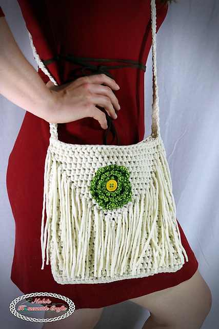 Fast And Easy Flower Shoulder Bag With A Small Inside Pocket