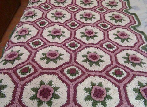 Free Pattern This Stunning Blanket Of Roses Afghan Pattern Is
