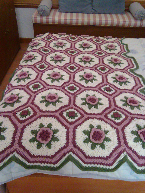 [Free Pattern] This Stunning Blanket of Roses Afghan Pattern Is Timeless