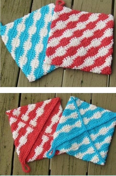 [Free Pattern] Quick And Sassy Crochet Potholder For A Gift Or To Spice Up Your Own Kitchen