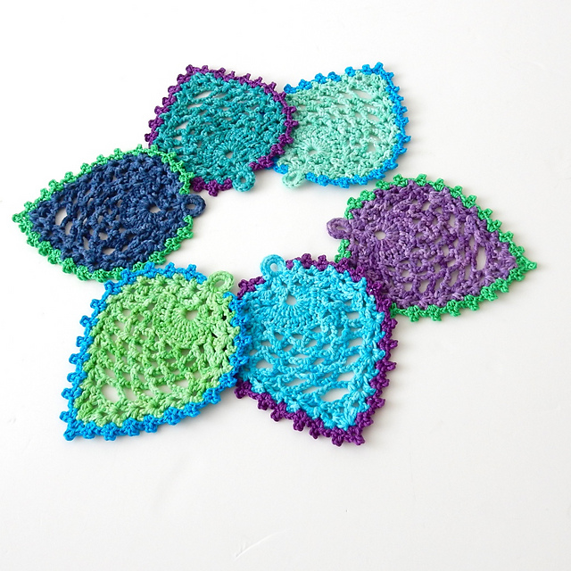 [Free Pattern] Elegant Peacock-Style Pineapple Coasters To Preserve Your Furniture and Beautify Your Home