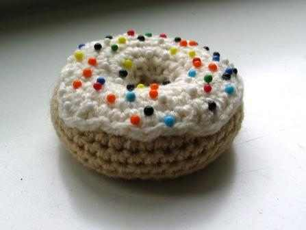 [Free Pattern] Adorable Donut Pincushion To Help You Keep Your Pins Off The Floor!