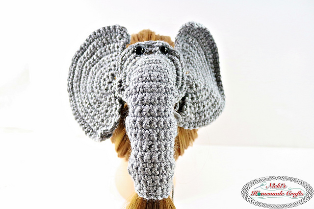 [Free Pattern] Hold Your Hair In Place With This Cool Elephant Hair Tie