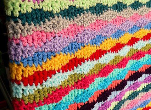 Free Pattern] This Lazy Waves Blanket Looks Like A Fun Easy Pattern Extraordinary Lazy Wave Crochet Pattern