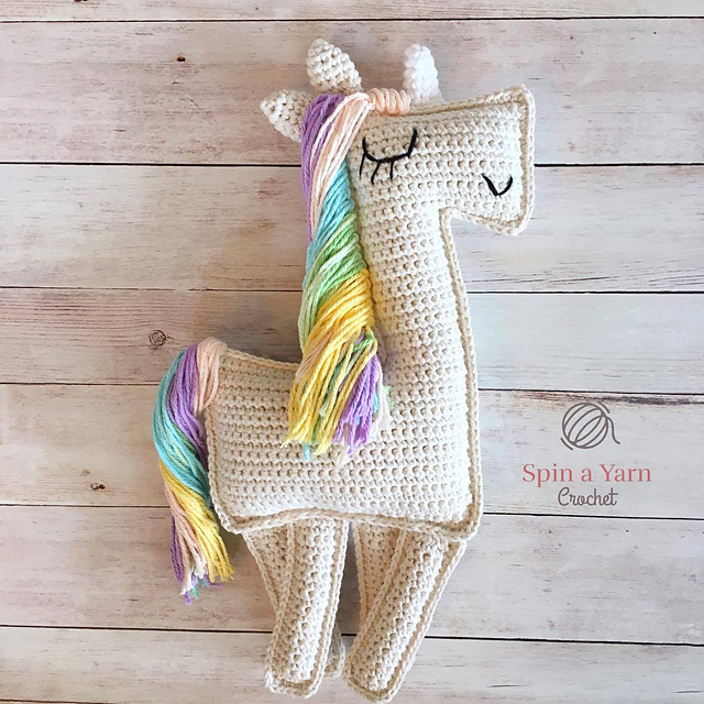 [Free Pattern] Add A Little Sparkle To Your Day With This Beautiful Ragdoll-Style Amigurumi Unicorn