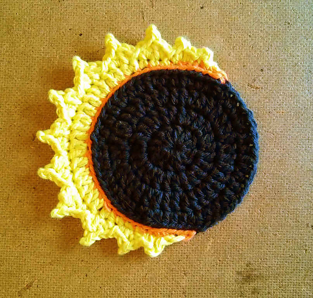 [Free Pattern] Celebrate The Eclipse With This Gorgeous Solar Eclipse Coaster