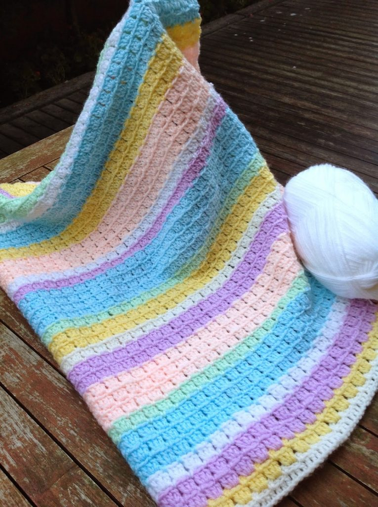 [Free Pattern] Adorable Block Stitch Baby Blanket