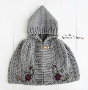 [Free Pattern] Any Little Girl Would Love Wrapping This Cape Around Her Shoulders And Showing It Off