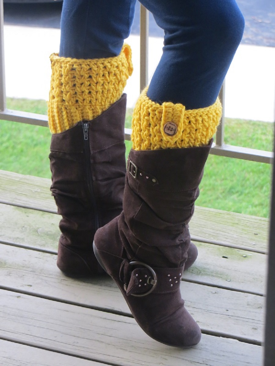 Free Pattern These Crochet Boot Cuffs Sell Like Hotcakes