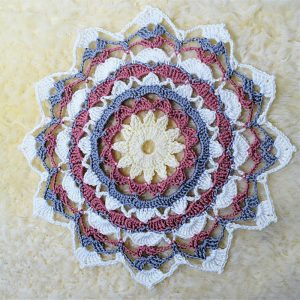 [Free Pattern] Beautiful Lacy Mandala Rays Coaster