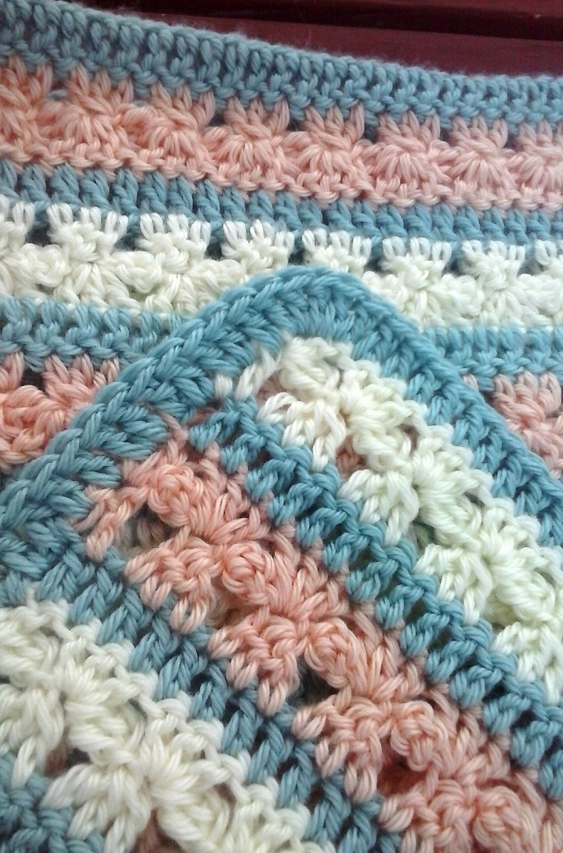 Free Pattern Fantastically Cute Blanket With Little