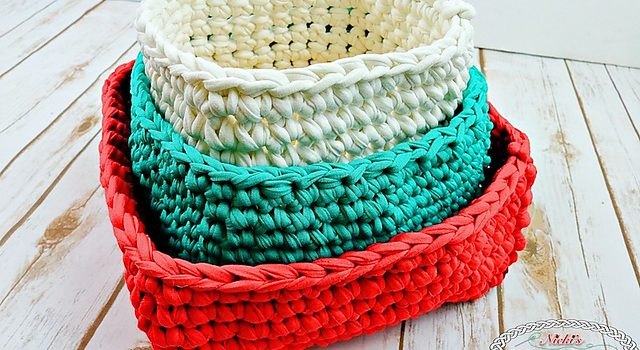 Free pattern make your gifts special with these t shirt yarn free pattern make your gifts special with these t shirt yarn christmas baskets dt1010fo