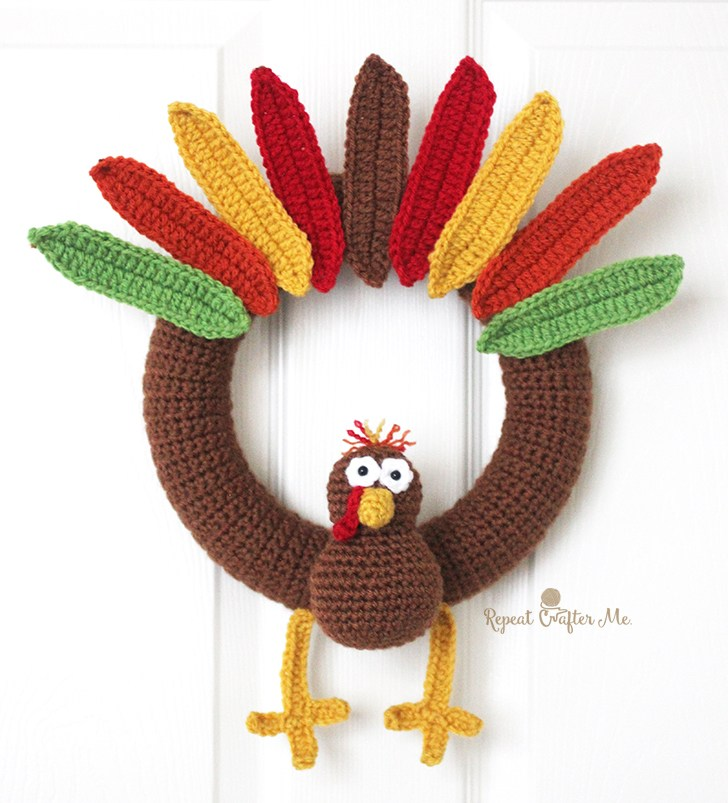 [Free Pattern] Brighten Up Your Front Door With This Cute Crochet Turkey Wreath