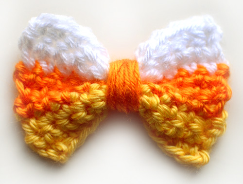 [Free Pattern] Cute Halloween Candy Corn Bow