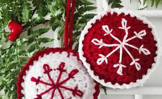 Free Pattern Beautiful Crochet Christmas Baubles With Snowflake
