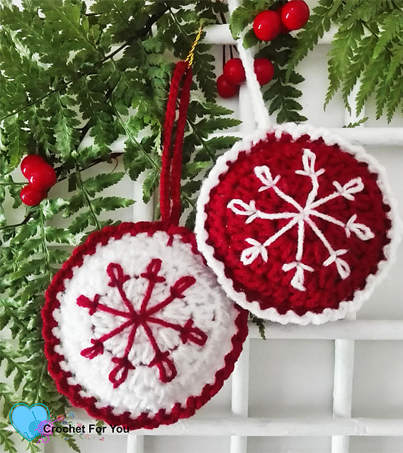 [Free Pattern] Beautiful Crochet Christmas Baubles With Snowflake Embroidery