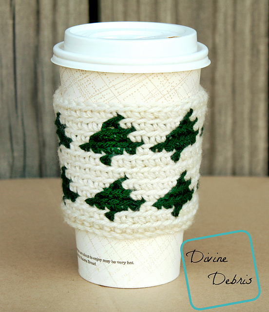 [Free Pattern] This Tree Mug Cozy Would Make A Great Secret Santa Gift Or Stocking Stuffer