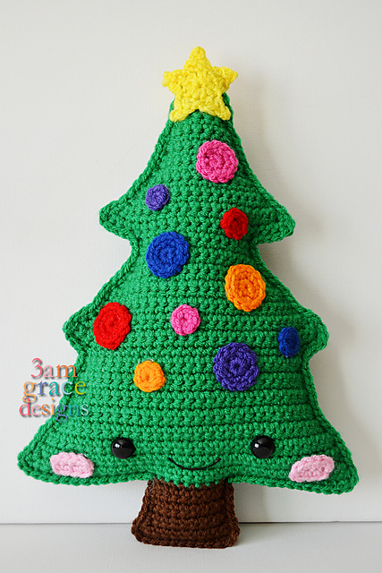 [Free Pattern] Precious Little Christmas Tree Kawaii Cuddler