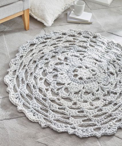 [Free Pattern] Make A Statement In Your House With This Comforting Lacy Rug