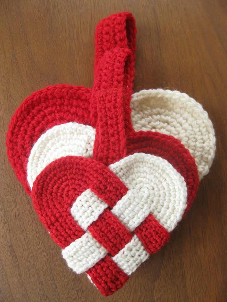 Free Pattern] Insanely Creative Crochet Danish Heart Pattern - Knit ...