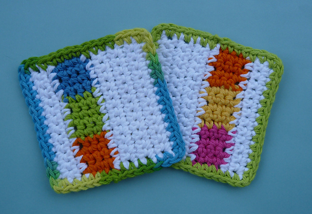 [Free Pattern] Fancy-Looking Scrap-Buster Crochet Coasters