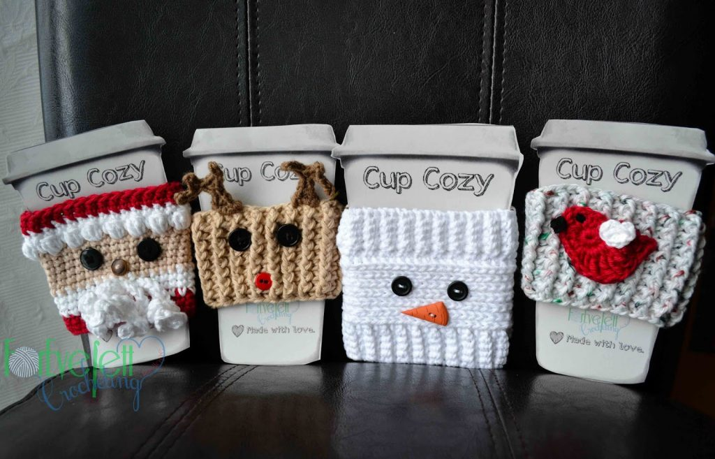 [Free Patterns] 4 Impossibly Cute Christmas Cozy Patterns
