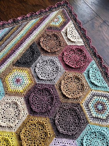 [Free Pattern] Feminine Elegant Blanket With A Stunning Mix Of Blocks And Colorways