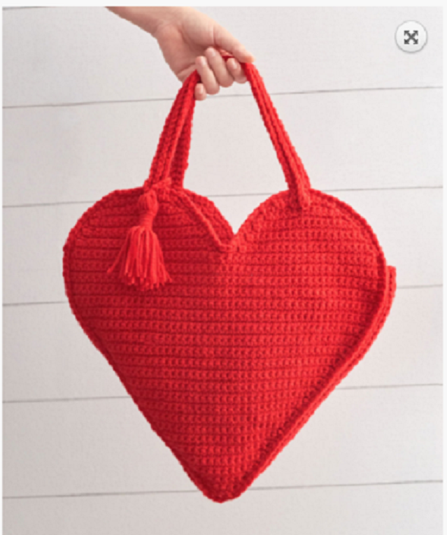 [Free Pattern] Heart Shaped Tote Bag For A Fun And Creative Carrying Style