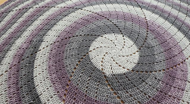 Super Quick Circular Blanket Crochet Pattern Knit And Crochet Daily