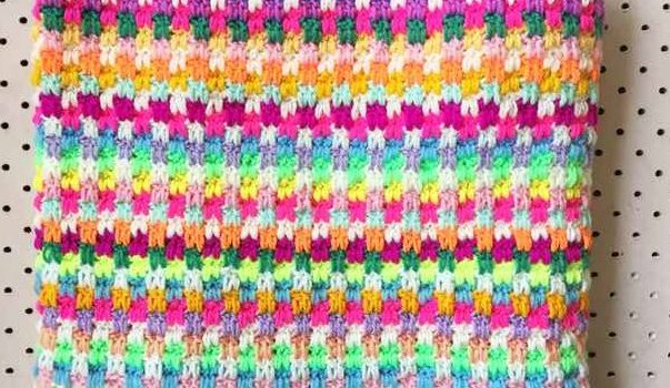 60b5826883 This Snuggle Stitch Crochet Blanket Is Super Awesome!  Free Pattern ...