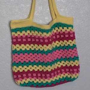 Granny Beach Crochet Bag - Free Pattern And Video Tutorial