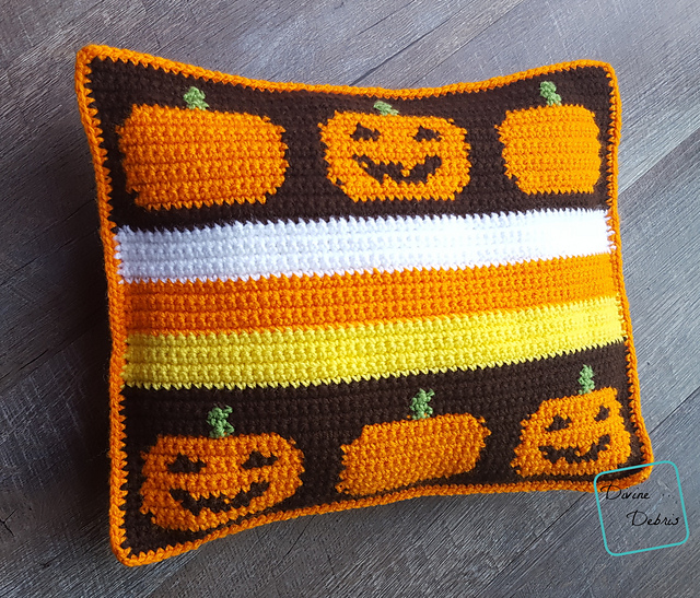 How To Make a Smiling Pumpkins Pillow [Free Pattern]