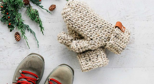 3 Hour Easy Pattern For Crochet Mittens In One Piece Knit And