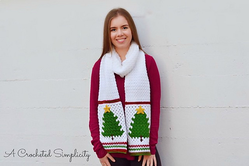 This Free Christmas Scarf Crochet Pattern Is Warm And Festive Knit