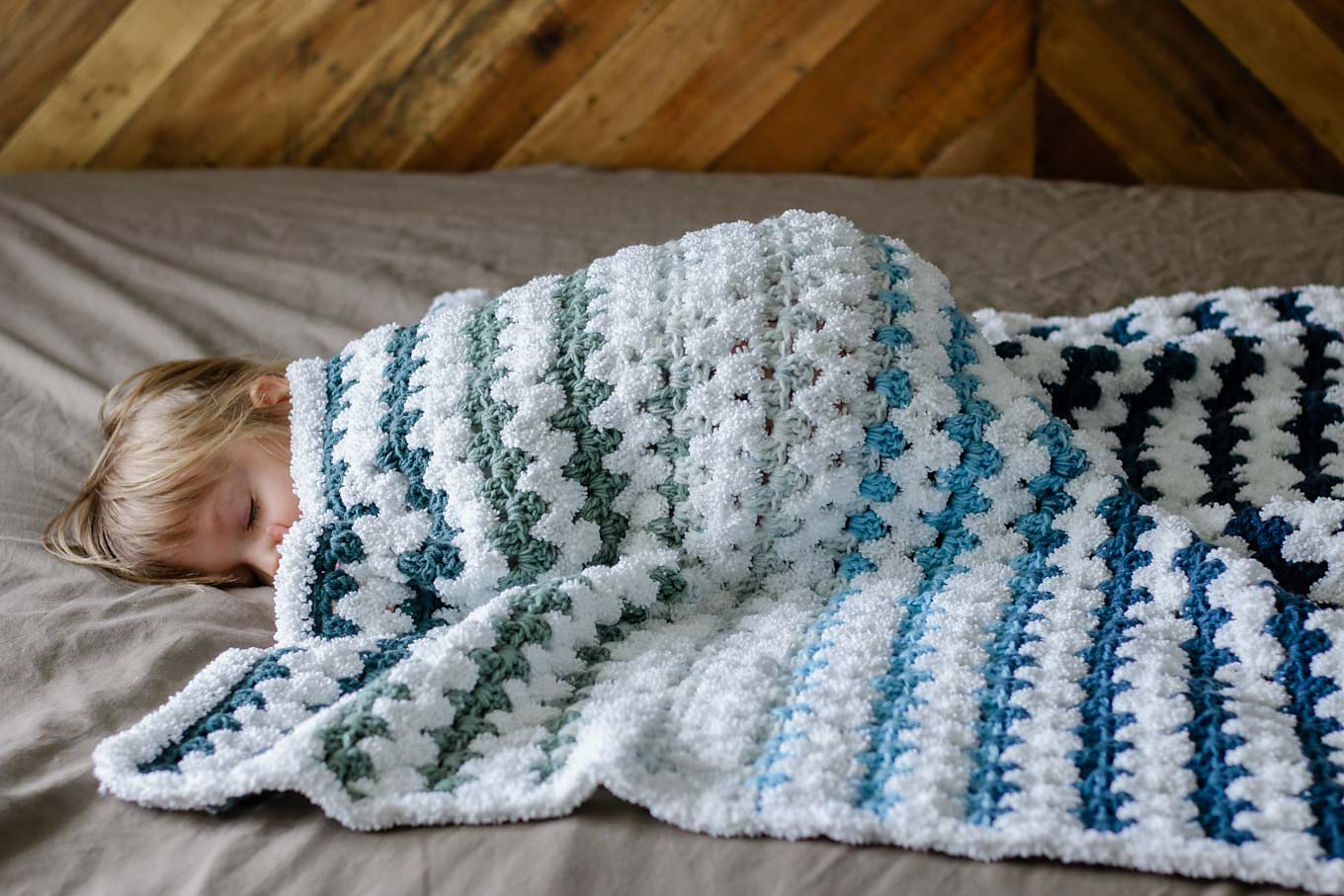 Easy Modern Crochet Baby Blanket Pattern For Beginners