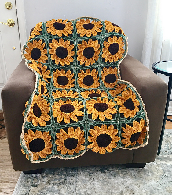 This Sunflower Blanket Is The Perfect Gift To Bring Joy To
