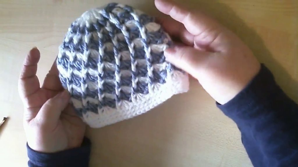 Fast And Easy Crochet Baby Swirl Hat Pattern In Two Colours [Video Tutorial]