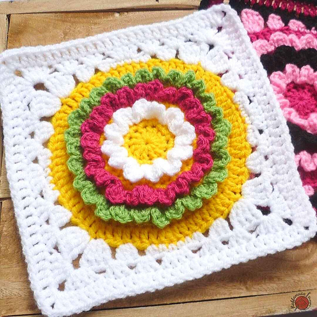 Ruffle Flower Square Free Crochet Pattern