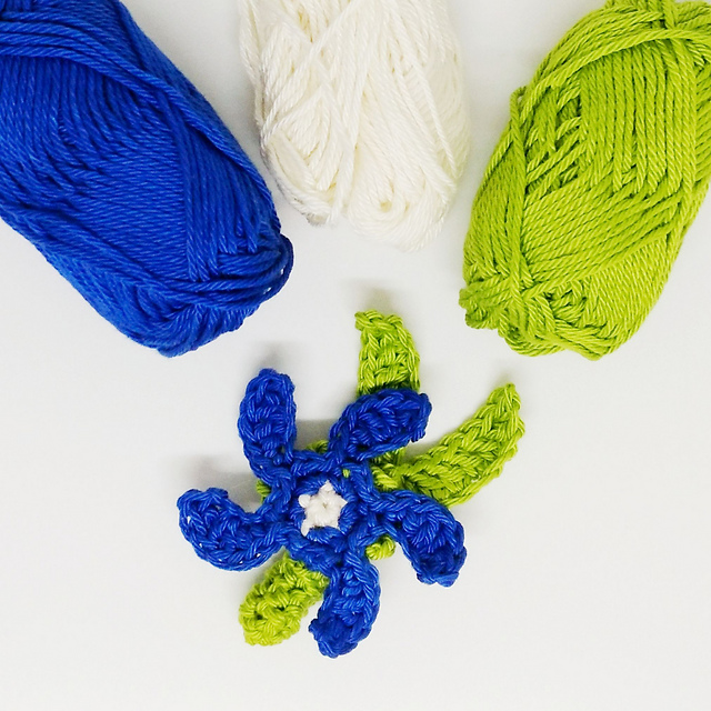 Crochet Flower Brooch Pattern