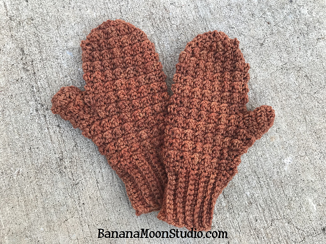 Cozy Textured Crochet Mittens In The Round