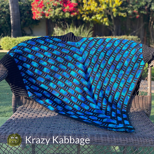 Easy Crochet Wrap With Pockets Free Pattern To Warm Your Shoulders On A Chilly Day