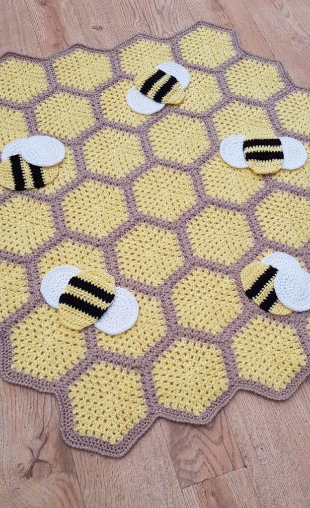 Bumble Bee Throw Blanket- Such A Bee-autiful Throw!
