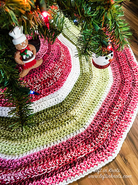 Crochet Pattern For Christmas Tree Skirt- Quick And Easy